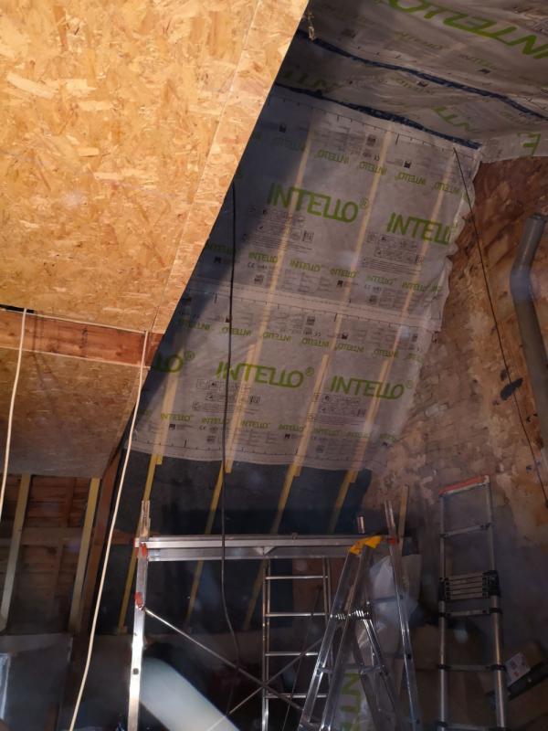 Rénovation bâtisse ancienne avec isolations écologique des rampants à Saint Nolff 2