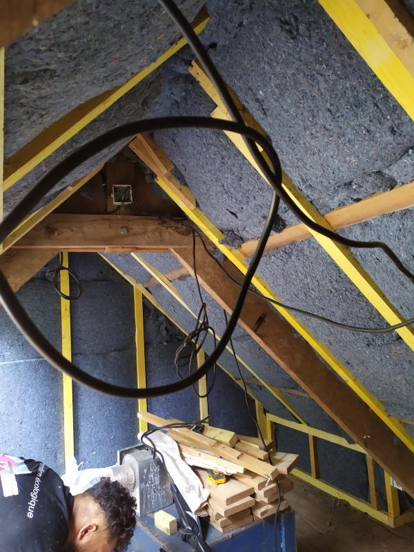Isolation des combles dans une ancienne bâtisse en rénovation à Mohon 2